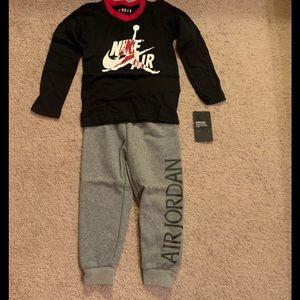 Brand New Jordan Boy's 2pc Set....Size 4T